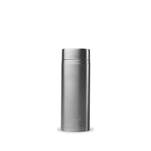 Doppelwandige Trinkflasche mit 2 Teefiltern 300 ml Farbe Silber geschlossen