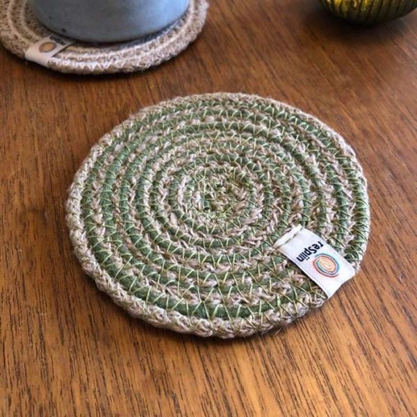 Untersetzer aus Jute und Seegras Durchmesser 11cm grün