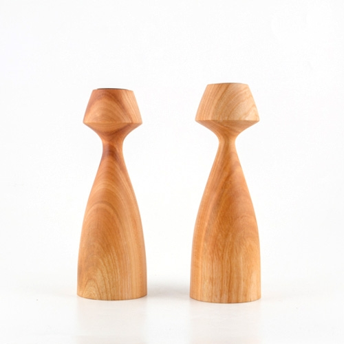 Lajos Varga Holzleuchter für Teelicht Kelchform aus Kirschbaumholz Höhe 26,5 cm
