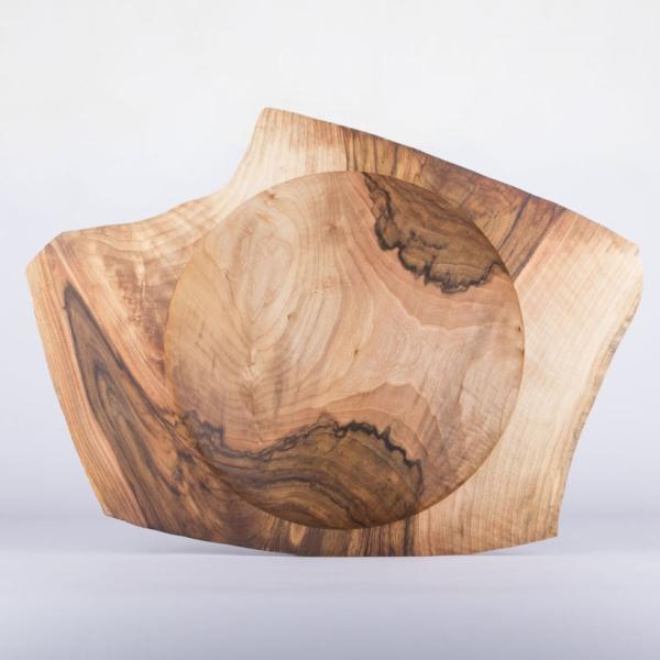 Große Flügelschale aus Nussbaumholz - handgefertigtes Einzelstück