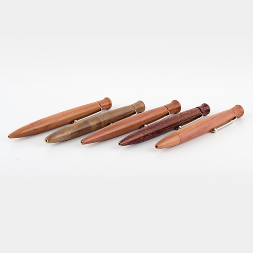 Drehkugelschreiber aus verschiedenen Holzarten
