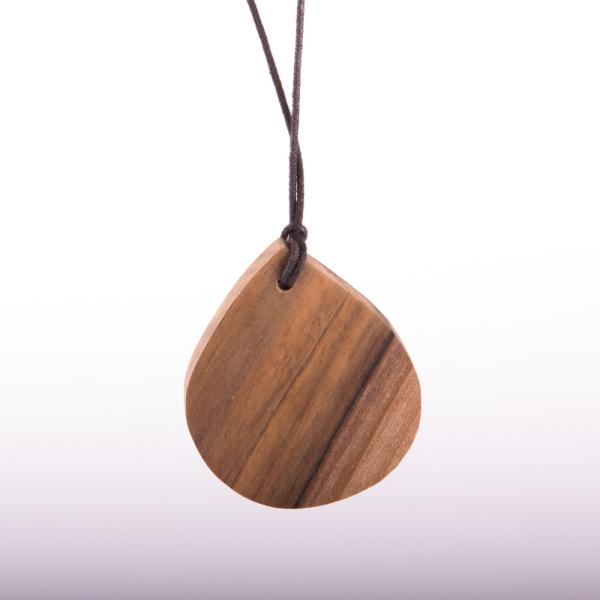 Kette in Tropfenform aus verschiedenen Holzarten - Nussbaum
